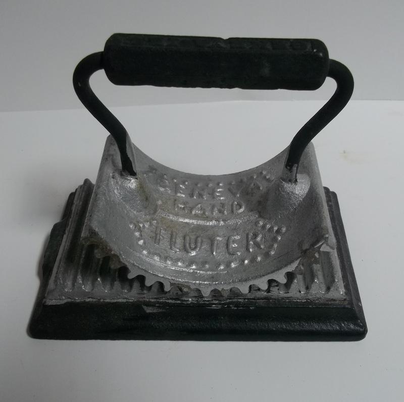 Fluting Iron